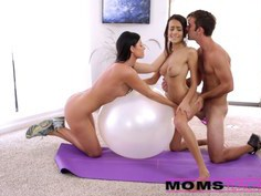 Cumswap with Janice and mother India