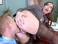 Britney Amber pulls his face into her big, luscious ass