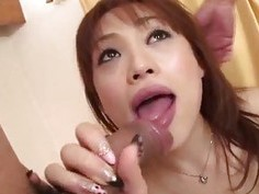Slim?Miina Yoshihara feels needy to fuck in threesome?