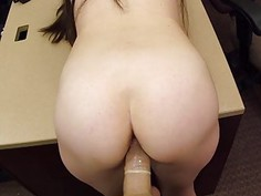 Brunette babe screwed by pawn keeper
