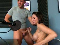 Outstanding cock sucker Juelz Ventura gets her pussy licked in return