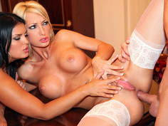 Jasmine Black, Pearl Diamond - Fucking Your Way Out Of Trouble