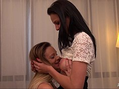 Angie, la kabyle decouvre la verve de Tiffany