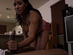 Mature Latina maid cant resist the cock