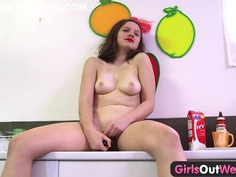 Girls Out West - Amateur pussy climaxing in the kitchen